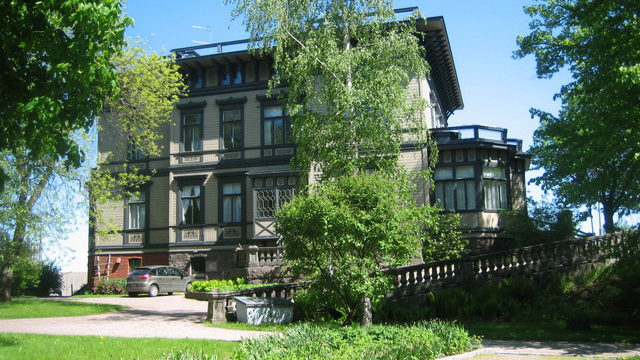 Avoimet ovet Karhusaaren Taidekeskuksessa Sinebrychoffin huvilassa Espoossa sunnuntaina 28.4. klo 10–17.